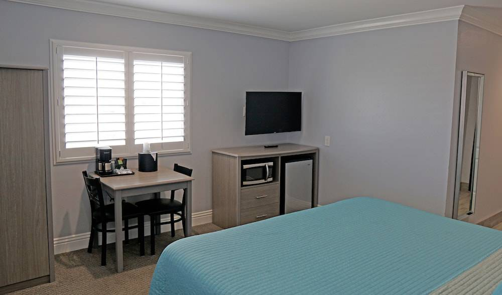 Pacific View Inn and Suites Huntington Beach